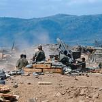 Cuộc hành quân Lam Sơn 719 - Pháo thủ Nam VN nã pháo vào vị trí VC từ căn cứ hỏa lực trên đất Lào thumbnail