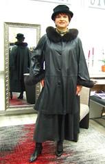 leather coat (Marie-Christine.TV) Tags: feminine transvestite lady mariecristine tgirl tgurt leather coat leder mantel lederswinger fur pelz woman femme female enfemme elegant