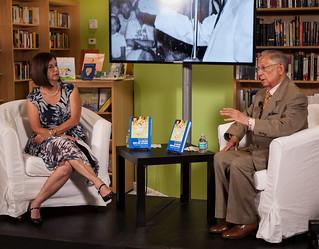 Author Maria Teresa Romero in conversation with Rafael Guerra Ramos at Altamira Libros