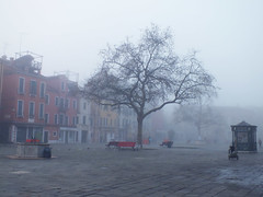 Morning fog on Campo Santa Marguerita (Izzy's Curiosity Cabinet in Venice Mood) Tags: venise venice venezia venedig campo santa marguerita fog brouillard place