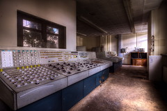 Heizung Ein! (Sven Gérard (lichtkunstfoto.de)) Tags: urbex urbanexploration lostplace abandoned decay derelict verlassen vergessen verfall krankenhaus hospital