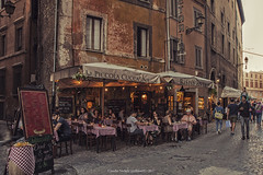 Osteria la piccola cuccagna, Roma (Claudio Nichele (@jihan65 on Twitter)) Tags: ristorante restaurant osteria ostaria tavoli street strada vicoli roma rome italia italy italie
