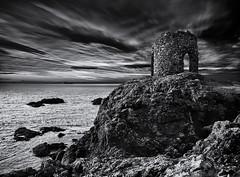 Lady's Tower (Grant Morris) Tags: elie elieness ladystower fife fifecoast fifecoastalpath scotland grantmorris grantmorrisphotography seaside landscape coast rocks tower canon