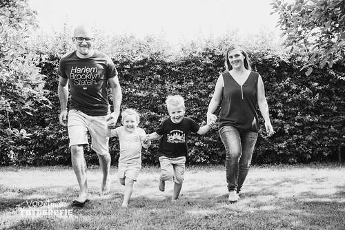 0604 Familieshoot Nieuw-Heeten Voortman Fotografie  (webformaat) (39)
