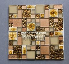 gạch mosaic vàng hoa cúc