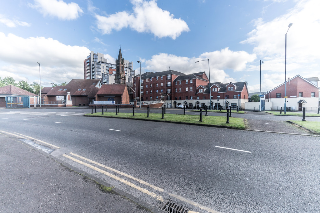 ST. JOSEPH'S CATHOLIC CHURCH IN PILOT STREET [SAILORTOWN AREA BELFAST]-129214
