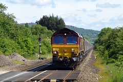 66078 enters Bamford with the 4H03 Bletchley to Peak Forest, 31st May 2017. (Dave Wragg) Tags: 66078 class66 ews dbschenker 4h03 bamford hopevalleyline loco locomotive railway