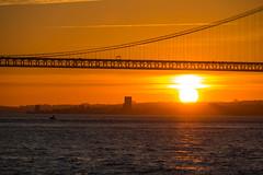 Bridge at Sunset (Infomastern) Tags: 25deabrilbridge 25thofaprilbridge lisboa lisbon lissabon ponte25deabril portugal riotejo river tagus tagusriver bridge bro flod ponte solnedgång sunset vatten water