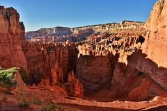 A Natural World|Bryce Canyon National Park, Utah (miltonsun) Tags: brycecanyonnationalpark utah naturalsculptor redrocks desert canyon rock arches archrocks outdoor