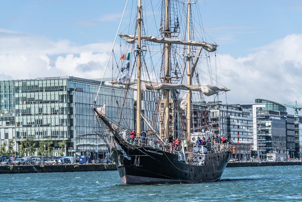 PELICAN OF LONDON [TALL SHIPS LEAVING DUBLIN PORT TUESDAY JUNE 6 2017]-129384