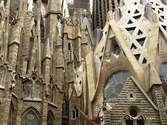 Barcelona (Graça Vargas) Tags: sagradafamília church igreja graçavargas ©2017graçavargasallrightsreserved barcelona espanha antonigaudí appleiphone6s iphone