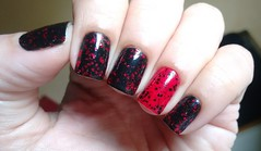Esmaltação das Corujas: junho - Copiei Porque Gostei (Roberta_Rezende) Tags: corujaswhats impala biguniverso colorama dote preto vermelho glitter avon