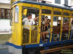 Bonde 16 (Janos Graber) Tags: homem pessoas passageiros 16 bonde santateresa amarelo riodejaneiro criança mulheres motorneiro