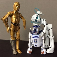 R2D2, Chick Magnet (Sasha's Lab) Tags: star wars c3p0 r2d2 drossel juno vierzehntes heizregister fürstin von flügel robot cyborg android gynoid figure girl toy ロボット gsc figma action black series hasbro