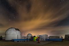 Será por telescopios... (Amparo Hervella) Tags: complejoastronómicodelahita toledo españa spain paisaje nube estrella nocturna telescopio lightpainting largaexposición d7000 nikon nikond7000