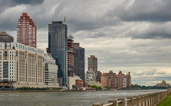 Manhattan from Roosevelt Island (The Light Cavalry) Tags: nyc queensborobridge rooseveltisland