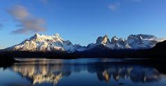 Un invierno en el Paine (Mono Andes) Tags: andes chile patagonia parquenacional cuernosdelpaine painegrande lagopehoé parquenacionaltorresdelpaine reflejos regióndemagallanes glaciar