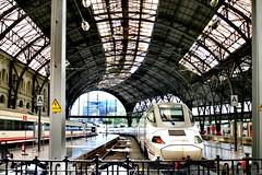 Train station Barcelona 🚄 (carlesbaeza) Tags: tren train travel estació estación station barcelona catalunya catalonia