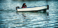 Paseo en barca (candi...) Tags: barca chico chica personas agua airelibre paseo navegar sonya77