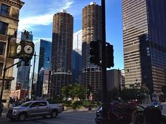 Anglų lietuvių žodynas. Žodis city block reiškia miesto dalis lietuviškai.