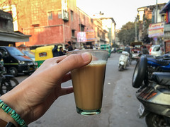 My last chai in India, Delhi デリー 帰国前の最後のチャイ (travelingmipo) Tags: travel photo india asia 旅行 写真 インド アジア delhi デリー capital street road chai chay tea milktea selfie チャイ alley offstreet 路地