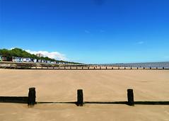 Frinton on Sea Beach (Stuart Axe) Tags: essex uk england gb unitedkingdom greatbritain countyofessex groyne groynes beach frinton frintononsea waltononthenaze beachhut beachhuts longshoredrift seaside northsea breakwater