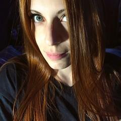 ginger (deadoll) Tags: bigeyes portrait selfportrait selfie ego greeneyes gingergirl cabelovermelho cabeloruivo ruiva redhead ginger gingerhair