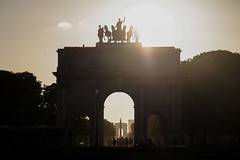 Paris - IMGP3461-2 (Paul-W) Tags: paris îledefrance france fr night arcdetriomphe arcdetriompheducarrousel obelisquedeluxor sunset