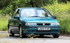 L613 FVR (Nivek.Old.Gold) Tags: 1993 vauxhall cavalier 18i motorsport 5door