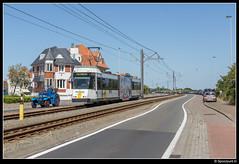 DL 6043 - Westende Parklaan (Spoorpunt.nl) Tags: 10 juni 2017 bn wagen de lijn tram 6043 westende belle vue zwemparadijs sr olympia parklaan