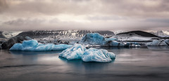 Glacier Jökulsárlón (pajavi69) Tags: iceland islandia jökulsárlón glacier lagoon glaciar laguna landscape waterscape water wild nikon nature nikkor 1224 d710 frozen ice hielo paisaje panorama panoramica nieve atardecer sunset iceberg agua lago islandi nikkor1224 amanecer dawn montaña