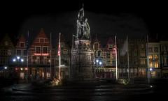 Place de Bruges (2Colnagos) Tags: grotemarkt belgium place europe square night longexposure cobblestone statue