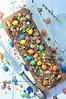 Sloffentaart met M&Ms in cakeblik (Carola Bakt Zoethoudertjes.nl) Tags: sloffentaartmetmmsincakeblik zondersloffenvorm slofenvormkopen mms ganache oudhollands dutchrecipe amandelspijs zelfmaken kleurigetaart gevuldekoek homemade baking lekkererecepten nederland