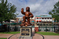 """Universal Studios, Florida: Jebediah Springfield Statue • <a style=""""font-size:0.8em;"""" href=""""http://www.flickr.com/photos/28558260@N04/33932446893/"""" target=""""_blank"""">View on Flickr</a>"""