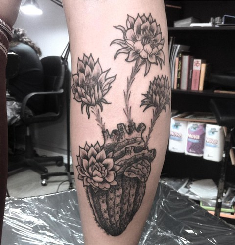 Tatuaje Cactus corazón cactus #tattoo #tatuaje #dotwork #puntillismo #cactus