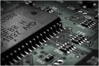 Macro Mondays (Option) - Chip(s) - Microchip