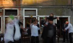 'imbucata' alla festa :) (balenafranca) Tags: venezia veneto italia ghetto nuovo campo festa purim danza uomini pomeriggio square party dance men