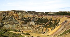 2293 Parys Mountain open cast copper mine (Andy - Busyyyyyyyyy) Tags: coppermine mmm mynyddparys ooo opencastmine parysmountain ppp shootaboot