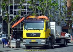 MAN AC93340 loads scaffolding (sms88aec) Tags: man ac93340 loads scaffolding