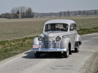 1951-1953 OPEL Olympia Limousine en Route