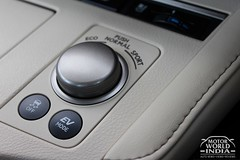 Lexus-ES-300h-Interiors (17)