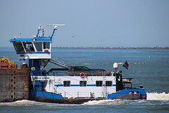 Aries (Maurits Freijsen) Tags: aries breeddiep duwboot pusher pushboat