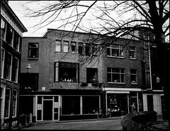 Winkelwoning Fa. A. Küchler (Fotorob) Tags: werkwoonhuis nederland zuidholland woningenenwoningbcomplx vlaardingen anoniem winkelwoning architecture analoog stijl artdeco holland netherlands niederlande architectura architectuur