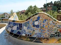 The bench (Thomas Schirmann) Tags: barcelone barcelona espagne spain españa catalogne catalonia parcgüell parkgüell parquegüell banc bnech trencadis mosaïque mosaic placedelanature