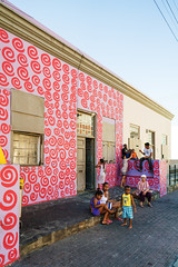 Home in Boo Kaap (Timo Kvist) Tags: city urban family people outdood street streetphotography streetphotographer house architecture color colorful colours colors bookaap capetown batis batis25 zeiss sonya7m2 batis225