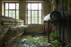 abandoned (blende einspunktacht) Tags: hdr backtonature green decay ilovedecay canon rotten urbex lostplaces verlasseneorte urbanexploration light