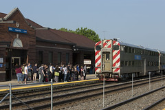 Inbound, Naperville. (applegathc) Tags: american illinois chicago route 59 naperville metra bnsf f40 pullman nippon sharyo suburban commuter rich