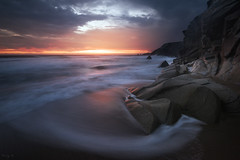 Last Seconds of Light (Tony N.) Tags: france bretagne morbihan quiberon portbara sunset coucherdesoleil couchant beach plage rochers rocks sea mer vagues waves sun seascape rivage shore clouds nuages orange red rouge nikkor1635f4 d810 vanguard nd64