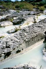 Pazin, de bedding van de  Fojbarivier, Istrië Kroatië 1986 (wally nelemans) Tags: pazin fojbarivier istrië istria kroatië croatia hrvatska 1986