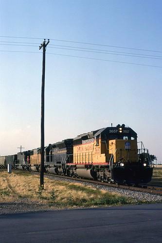 1998 07 19   7  UP SB Grain 3657, MPI 9005,-,-, Saginaw, TX (Custom)